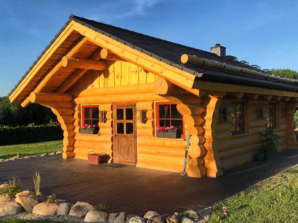 Kleine Blockhütte
